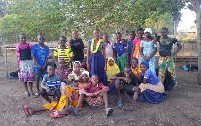 Basisschoolleerlingen in Tanzania pakken milieuproblematiek aan